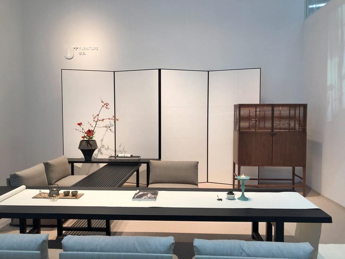 来自上海的U+设计,以明宋时期的家具型态为基底,简化民族语言,以现代生活的型态为灵感,创造出经典耐看的综合之美。