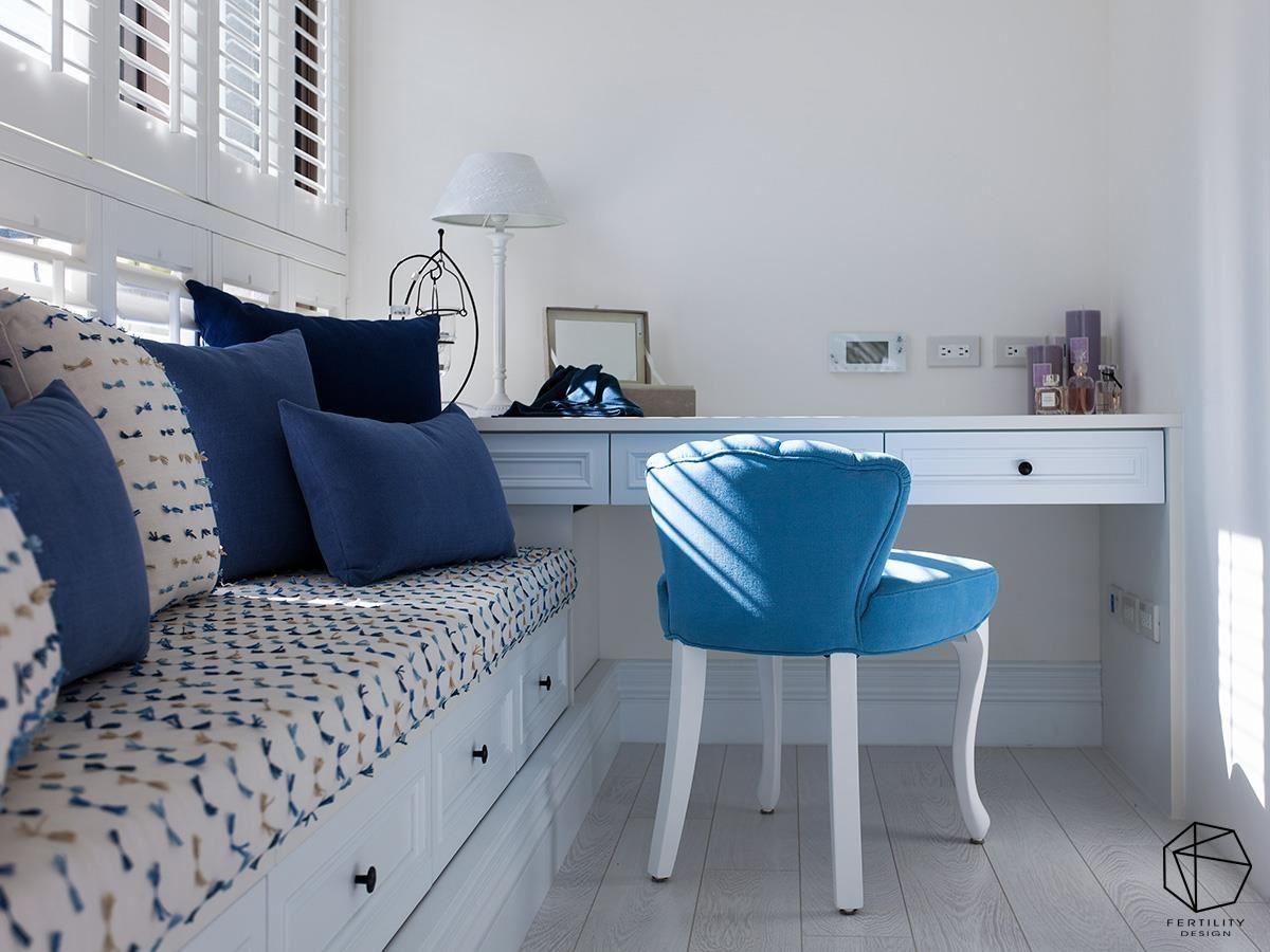 房间窗边更规划了飘窗与书桌,结合和煦的自然光照,悠闲舒适。