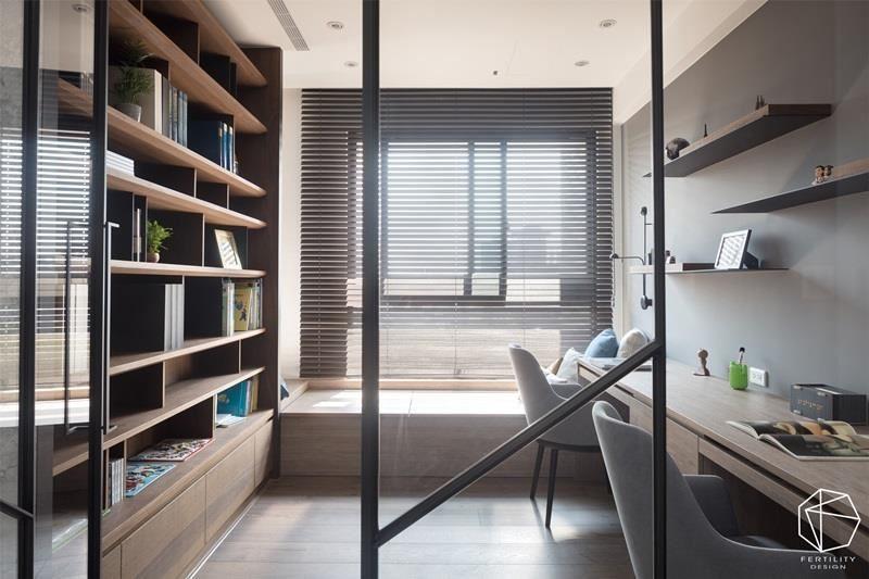 午后的暖阳照应于浅木色的飘窗,为读书、休憩、办公的使用者提供最温柔的依靠。