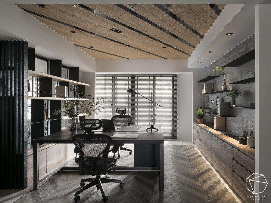 书房铺叙人字拼木地板,带入铁件、水泥砖等材质,透过斜线、垂直、水平等线条交织,创造空间中的变化感。