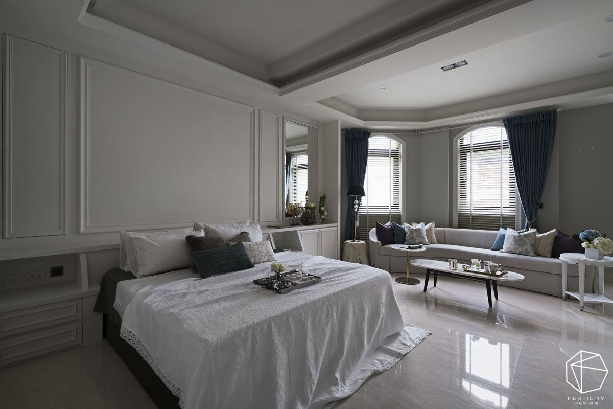 二楼安排主卧,是替女主人打造的专属休憩场域,无论是壁材种类、家具布料、衣柜尺寸、石材材质等皆量身订制。