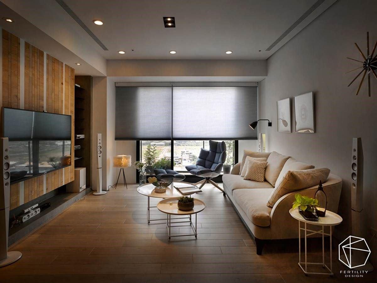规划大尺寸的风琴帘,引入美好的明亮日光,与整室的木皮、白墙交织成北欧风景,并形塑窗框拉大的画面,进而形成扩容视觉作用。