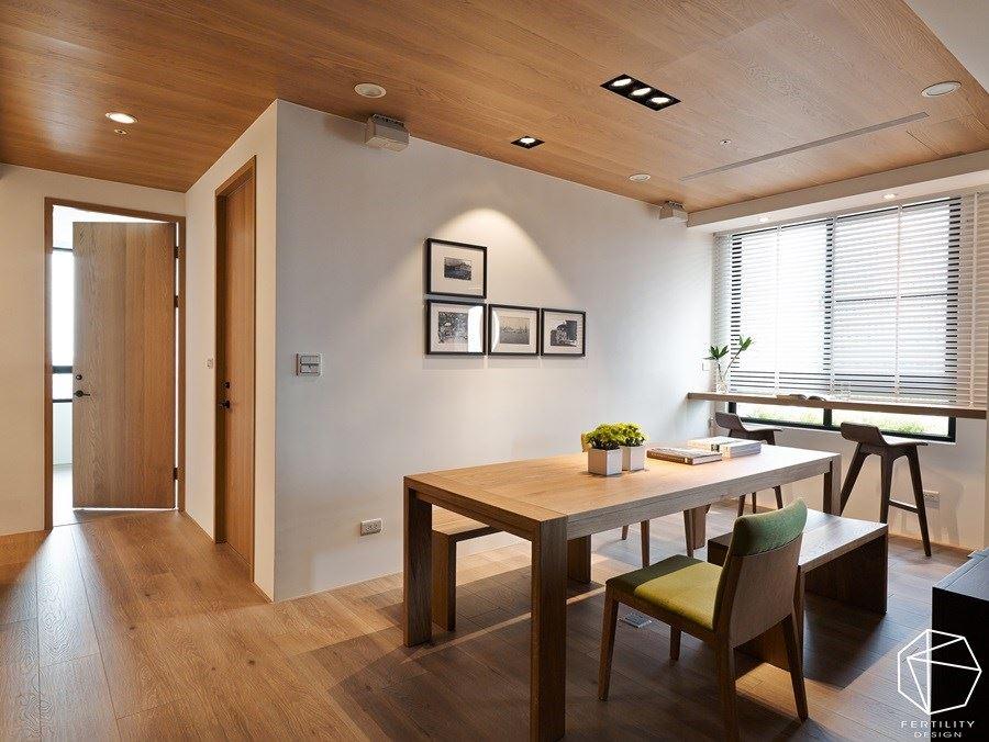 没有过多设计的简约木设计,可让一家人放慢脚步,在此享受天伦之乐,凸显了北欧风格的舒适与共享特色。