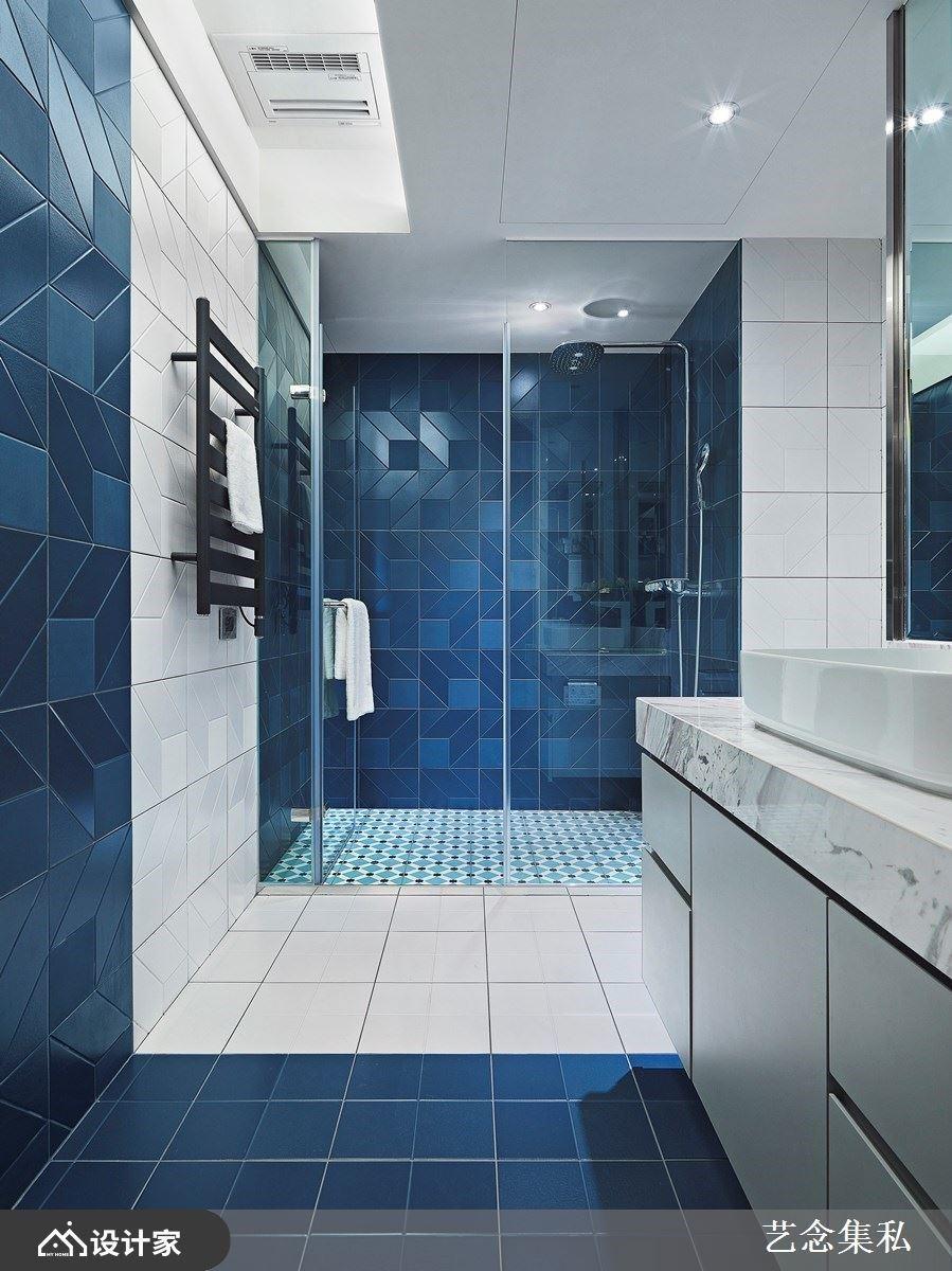 卫浴空间则运用3种磁砖拼贴,让整体空间设计丰富趣味,独具一格。