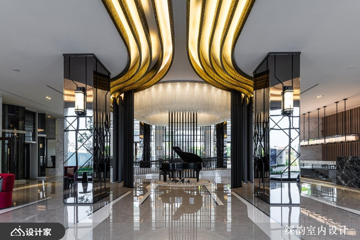几何设计串连铁件、灰镜与镀钛!超译现代美学下的科技轻豪宅