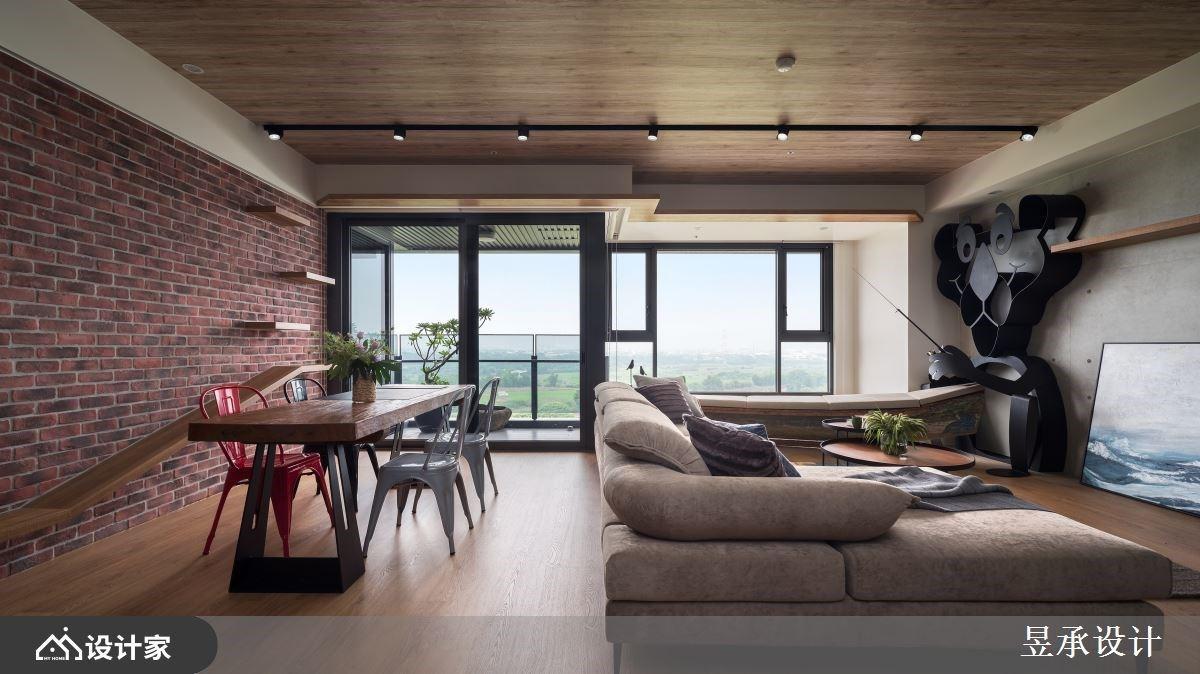 木作贴皮 x 六角砖把海边意象带入居家!让家人相爱的心停泊在工业风格宅里