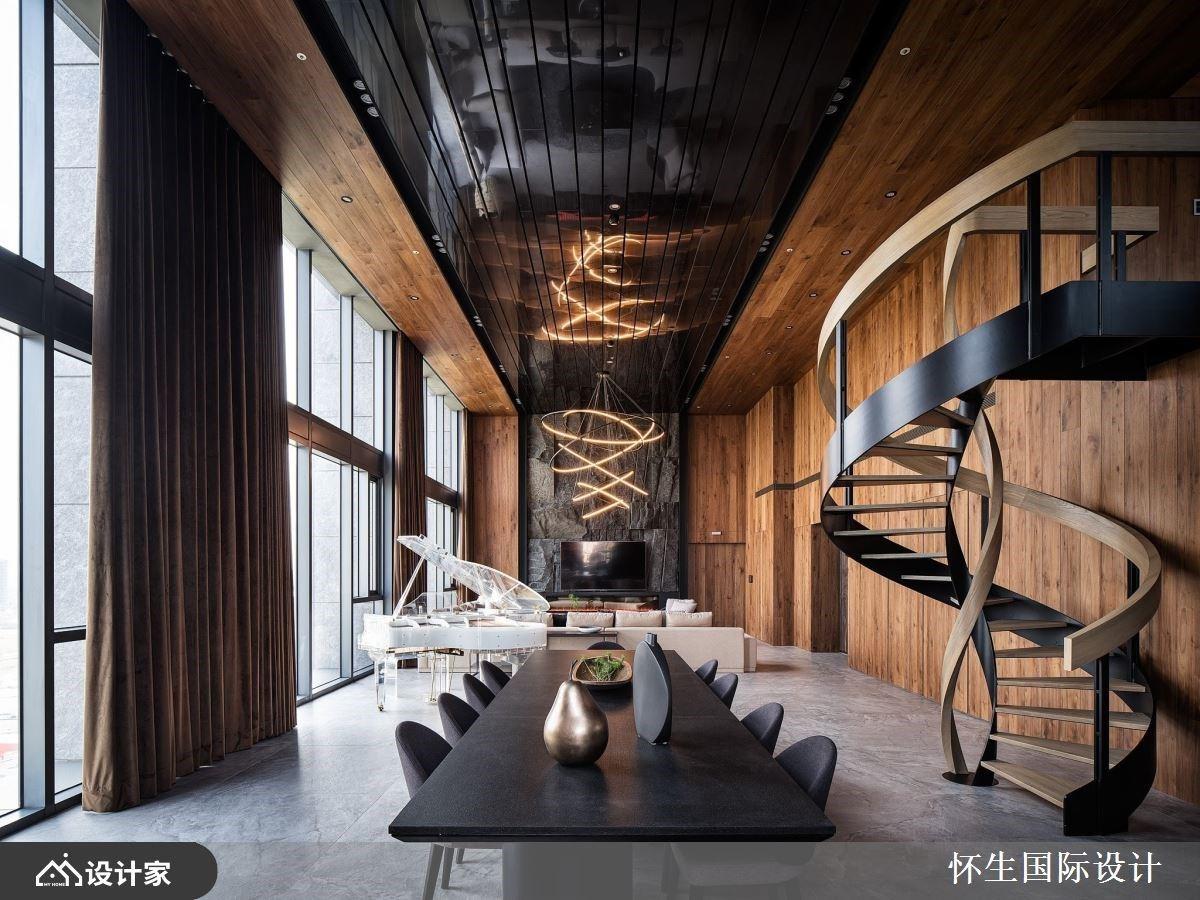旋转梯串联迎宾与度假机能!千锤百炼的景观豪宅设计