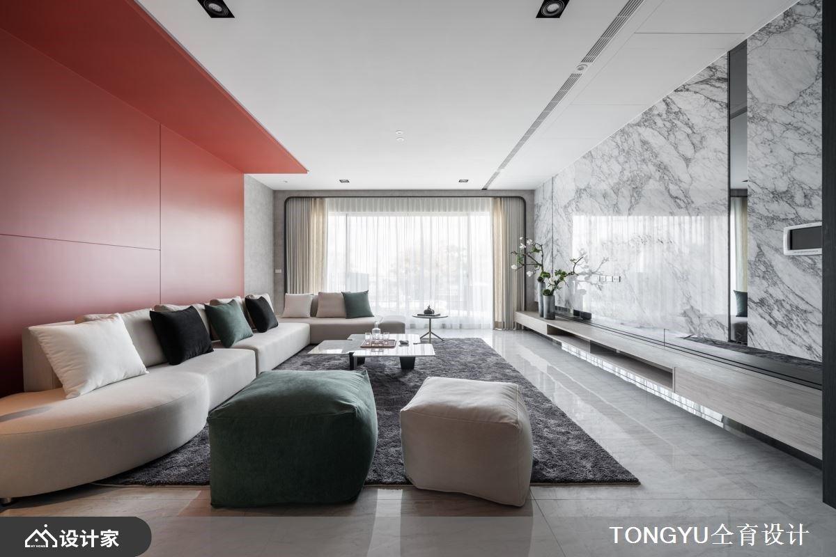 开放中岛厨房、爱马仕橘与美型更衣室 实现现代风度假宅