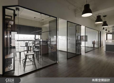 突破想象的美式办公室,宛如咖啡厅般自在
